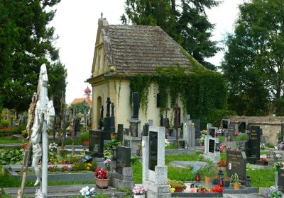 Výsledek obrázku pro hřbitov radobytce
